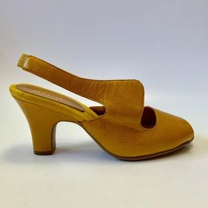 Yellow retro 60s style pinup heels new and unworn